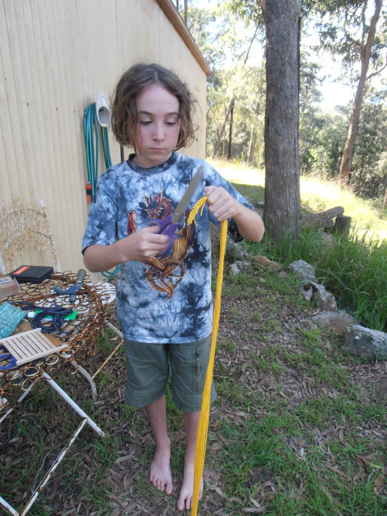 Cutting the warp