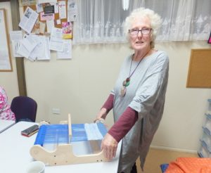Fran weaving on the sampleit
